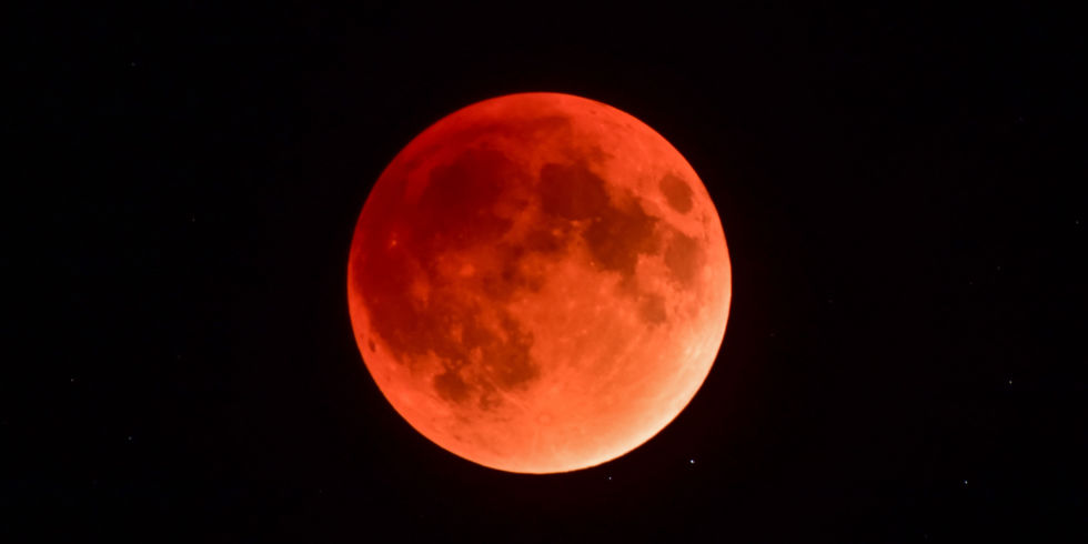 blood moon 2018 europe - photo #3